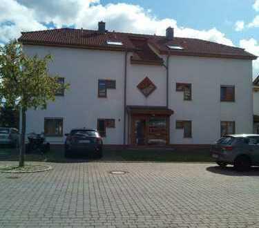 Von Privat: Gepflegte 2-Zimmer-DG-Wohnung mit Balkon in Walldürn