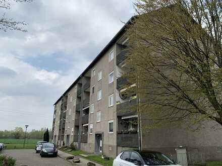 *PROVISIONSFREI* sanierte 3-Zimmer Wohnung mit Loggia in ruhiger Feldrandlage