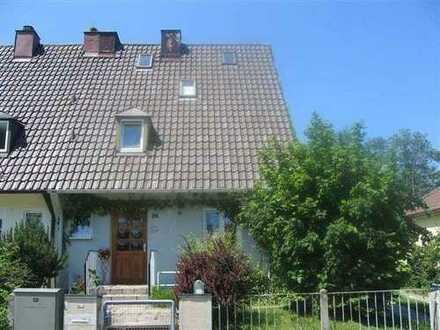 ydillische Doppelhaushälfte Top Lage, unverbauter Innblick