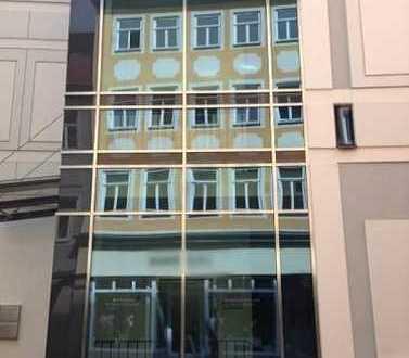 1 A Lage 3. OG ** Factory 1.100 m² ** 2 Zugänge **LIFT**