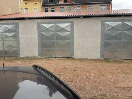 XXL Garage / Halle mit Strom - 38 m²