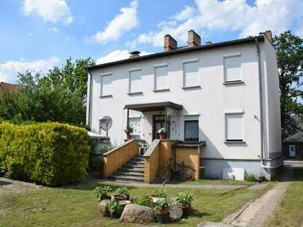 Falkensee: Baugrundstück und Mehrfamilienhaus, beliebte, ruhige Lage, großes Grundstück