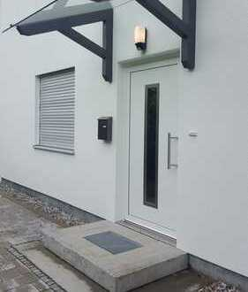Modernisiertes freistehendes Einfamilienhaus mit Terrasse, Garten und separater Einliegerwohnung H2F