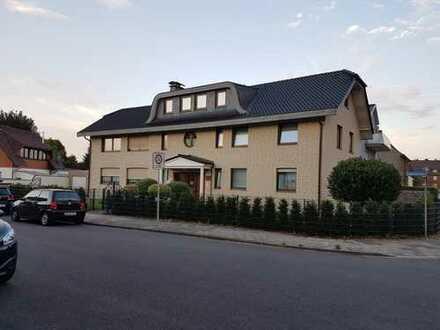Neuwertige 4-Zimmer-Wohnung mit Balkon und Einbauküche in Übach-Palenberg