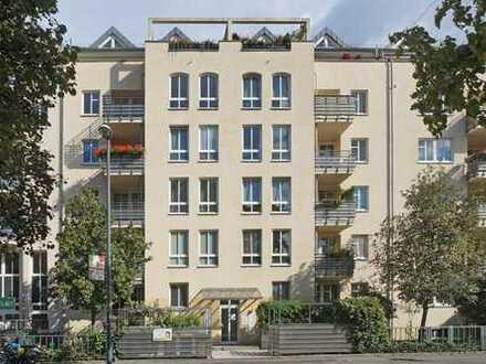 Striesen: langjährig vermietet + Aufzug + Stellplatz + Balkon
