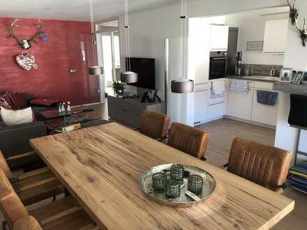 Neuwertige 3-Zimmer-Wohnung mit Balkon und Einbauküche