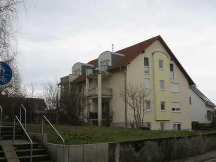 Dachgeschoß mit Aussicht in Mehrfamilienhaus