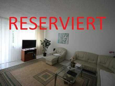 RESERVIERT - Schöne 4,5 Zimmer-Wohnung mit EBK im 2.OG mit Aufzug