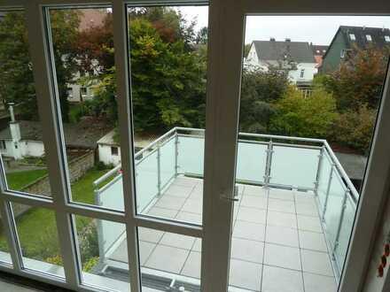 Traumhaft schöne, helle DG-Wohnung über zwei Etagen mit Süd-Westbalkon im Topzustand