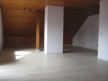 Schöne, geräumige zwei Zimmer Wohnung, Schönenberg-Kübelberg