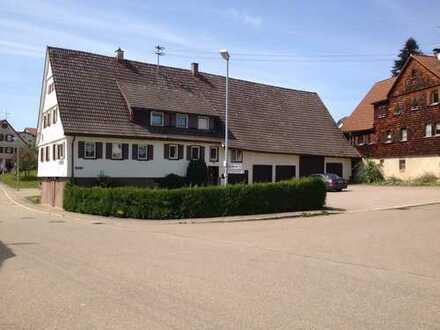 250 m² Wohnfläche mit 9 Zimmer auf 2 Wohn.aufgeteilt mtl.1200 €