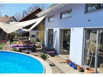€€ Bieterverfahren !! Ein-Traum-Familien-Haus !! **sonniger Garten**ruhige Terrasse**Pool**Sauna**