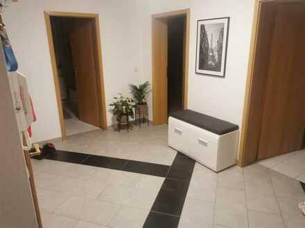 Neuwertige 3-Zimmer-Wohnung mit Balkon und Einbauküche in Schwarzwald-Baar-Kreis