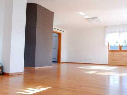 Maison.-Whg. in Toplage,Sauna,2 Bäder,lichtdurchfl.,4 Schlafz.,Garten,XXL-Garage,Gewölbekeller...