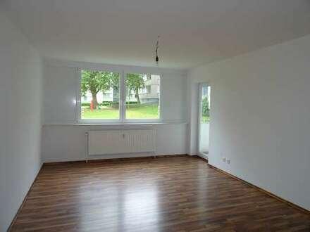 Renovierte 3 Zimmer Erdgeschoßwohnug mit Einbauküche in Hagen, Johann-Gottlieb-Fichte-Str.2