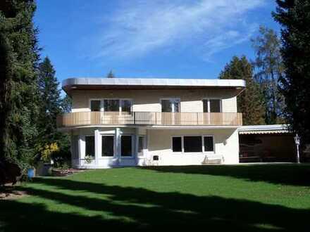 Villa mit Traumgrundstück in Traumlage!