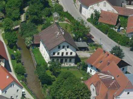 Ein Monat Gratis-Miete :Komplettes Erdgeschoss mit eig. Garten, 4,5 -Zi. 100 m²