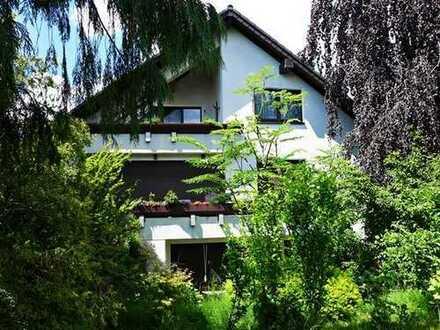 Ein außergewöhnliches Wohnhaus in ausgesucht guter Wohnlage nähe Gysenbergpark