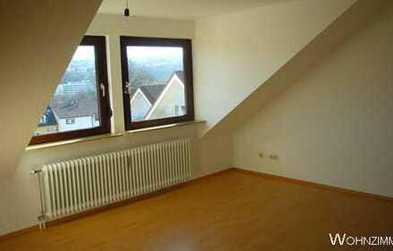 2-Raum-Dachgeschosswohnung mit Einbauküche in Pforzheim