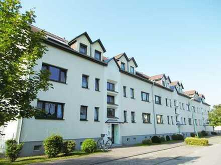 Vermietete 2-Zimmer-Eigentumswohnung mit Balkon und Pkw-Stellplatz in Neuruppin