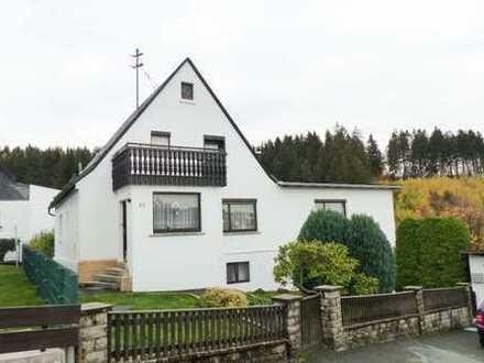 Ein- bis Zweifamilienhaus - ruhig wohnen mitten im Frankenwald