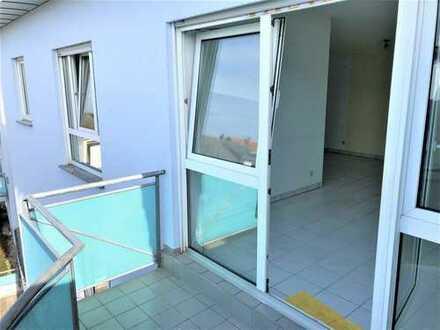 helle und gut geschnittene 2 Zi.-Whg. mit Balkon nahe der Grünen Mitte in Groß-Zimmern