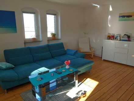 Sanierte preiswerte 4-Zimmer-Wohnung mit gehobener Innenausstattung in Osthofen