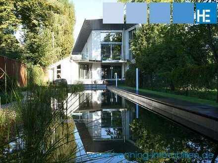BAD HOMBURG: Moderne und luxuriös ausgestattete Villa mit großzügigem Schwimmteich!