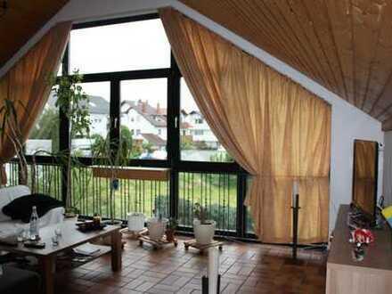 Tolle Dachgeschosswohnung mit aussergewöhnlichem Ambiente