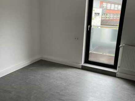 3 Zimmer mit Balkon, zentral gelegen, renoviert, ab sofort
