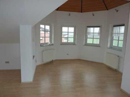 Gepflegte 2-Zimmer DG-Wohnung mit Balkon in Bad Kreuznach-Planig