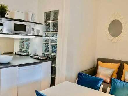 möbliertes Zimmer in frisch renovierter 10er-WG (KA-Waldstadt)