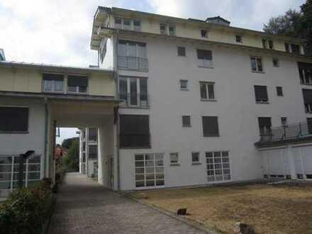 ZWANGSVERSTEIGERUNG - Moderne 2-Zimmer-Eigentumswohnung mit Stellplatz in Hohenstein-Enstthal