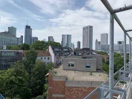 FFM- Westend Sanierte 5 Zimmer Dachgeschosswohnung mit großer Dachterasse, Skylineblick