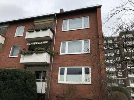 Schöne 4-Zimmer-Wohnung mit Balkon und Einbauküche in Bremen