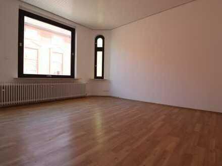 1 Monat mietfrei !! Altbaucharme! 5-Zimmer-Wohnung in Lehrte!