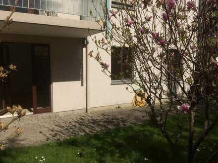 Großzügige 2-Zimmer-Wohnung in ruhiger Lage in Augsburg-Oberhausen