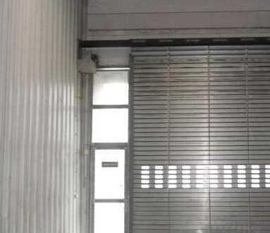 Gewerbehalle mit kleinem Büro