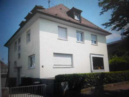 Helle, freundliche, renovierte 3-Zimmer-DG-Wohnung mit Einbauküche in Karlsruhe