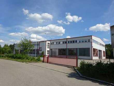 Industriehalle für Produktion und Lager zu vermieten.