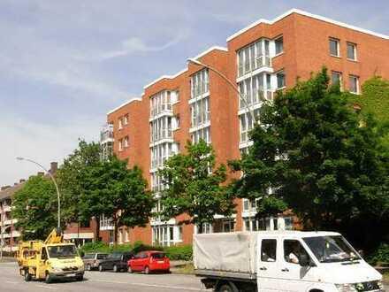 Nähe U-Dehnhaide: 3-Zi.-Wohnung mit Balkon !!!