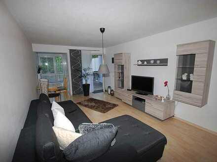 Ruhige 2 Zi-Wohnung im Haubenschloss mit Terrasse, Einbauküche und Tiefgaragenstellplatz