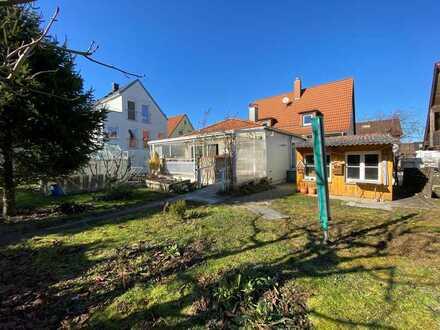 BESIGHEIM ! Großzügiges Einfamilienhaus mit idyllischem Garten zu verkaufen