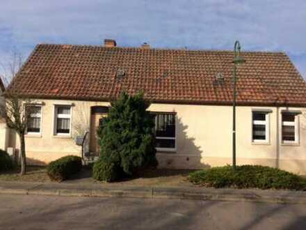 Achtung!!! Teilsaniertes Haus mit Hof und viel Nebengelass im gepflegten Zustand!