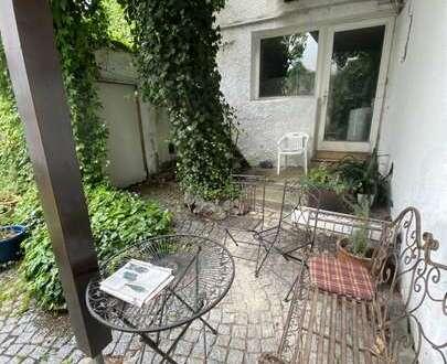 Gr. Hotel mit Wohnung / Haus mit Potential (z. B. Großfam., WG etc.) in 95482 Gefrees, Balkon, Hof
