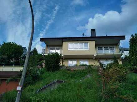 Modernisierte 5,5-Zimmer-Wohnung mit Balkon in Mömlingen
