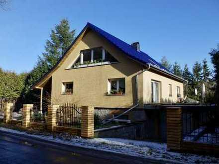 Geräumiges Einfamilienhaus mit guter Ausstattung und viel Potenzial.
