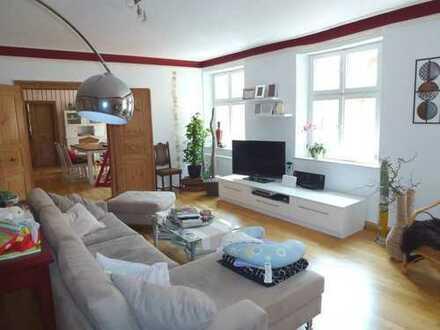 Herrliche 3,5-Zimmer-Wohnung mit Gartennutzung - am Rande der Stadtmauer!