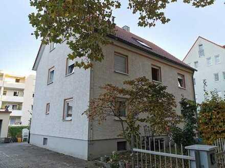 Dreifamilienhaus in Königsbrunn / Eckgrundstück