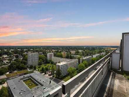 *Erstbezug nach Komplett-Sanierung im 19. Stock, uneinsehbare Dachterrasse*